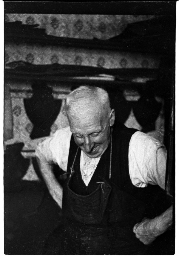 Jim Critchley the Clogmaker