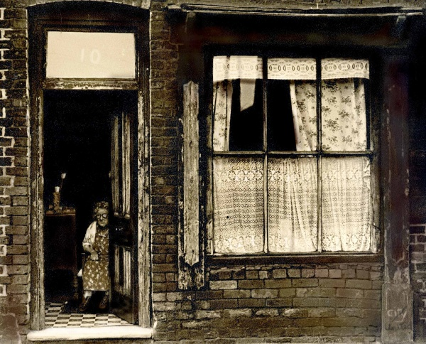 The Woman in the Doorway, Hanky Park, Salford